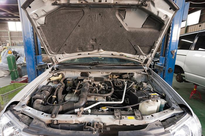 車の整備2